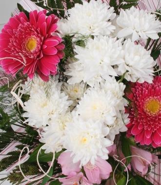 Букет хризантеми, гербери и астромерия